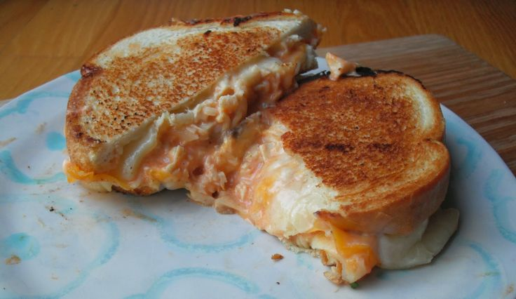Buffalo Chicken Grilled Cheese Sandwich | Food | Pinterest