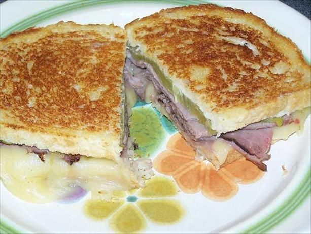 Grilled Roast Beef and Melted Pepper Jack Cheese Sandwich | Recipe