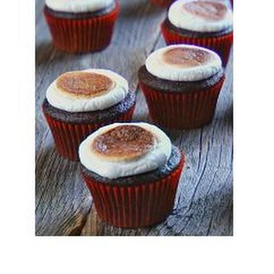 Toasted Marshmallow Cupcakes | yum | Pinterest