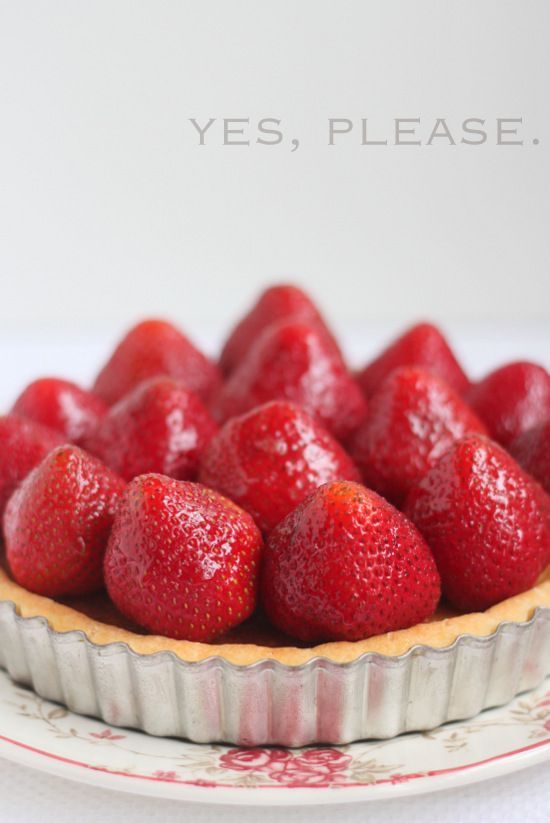Fresh Strawberry Frangipane Tart | Yummy Sweet Desserts | Pinterest