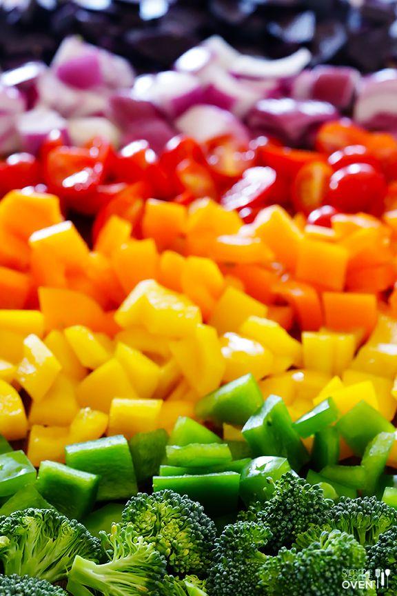 Rainbow Veggie Flatbread Pizza - quick, healthier, and SO tasty ...