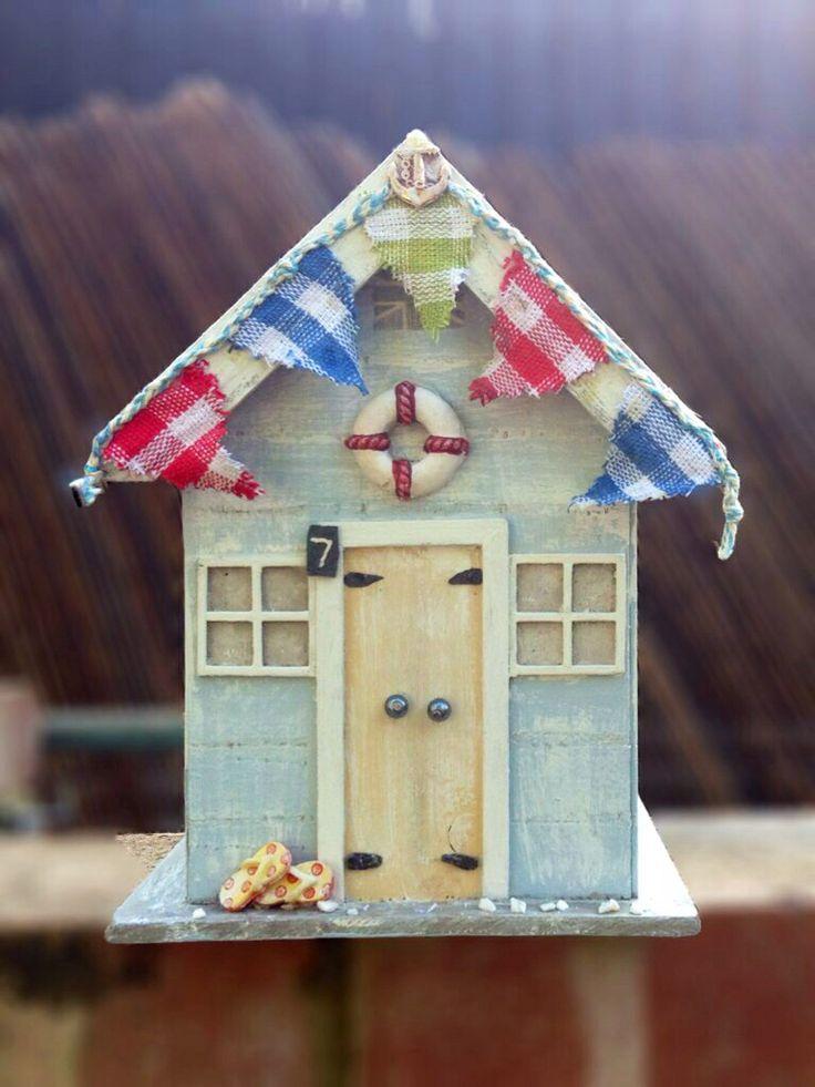 Homemade wooden beach hut beach craft pinterest for Beach hut ideas