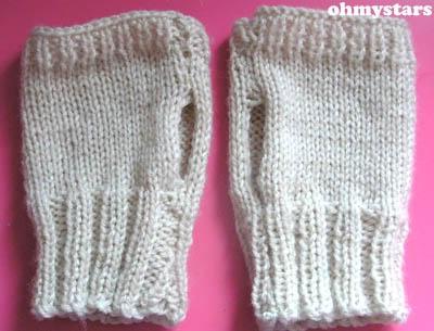 Easy Fingerless Gloves Knitting Pattern Straight Needles : KNITTING FINGERLESS GLOVES EASY Free Knitting Projects