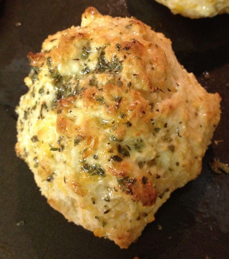 Cheesy Garlic Biscuits | food | Pinterest