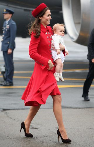 Kate Middleton and Prince William Start Tour With George Photo 27
