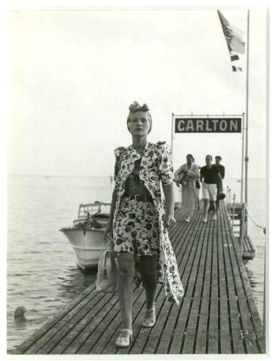 France. Pontoon of the hotel Carlton at Cannes Séeberger, 1936