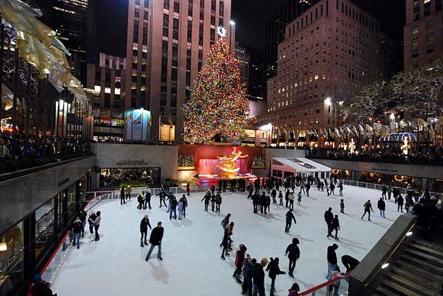 Rockefeller Center Chrismas Tree in New York City