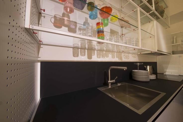 Kuchnia wykorzystująca na blatach technologie Nano-Tech