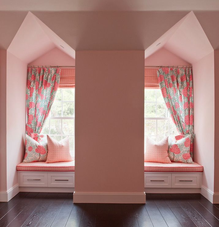 Brooke Wagner Design via decor pad. Coral built in window space