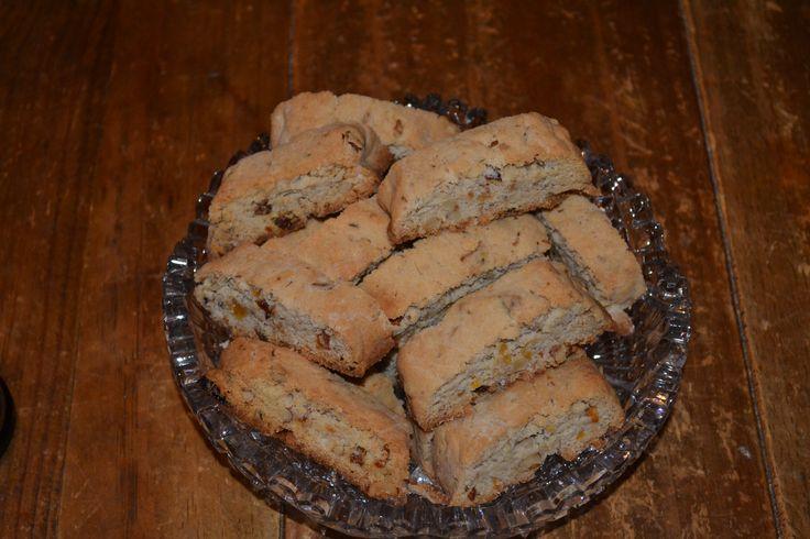 Maple Walnut Biscotti. Recipe at: http://breadnbabka.blogspot.com/