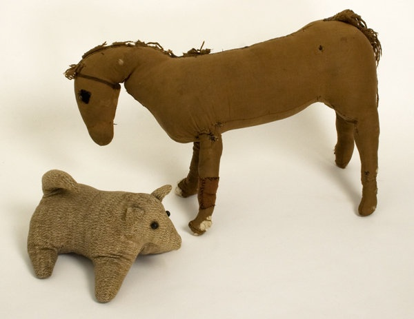 Amish Toy Animals: Circa 1930; Pennsylvania