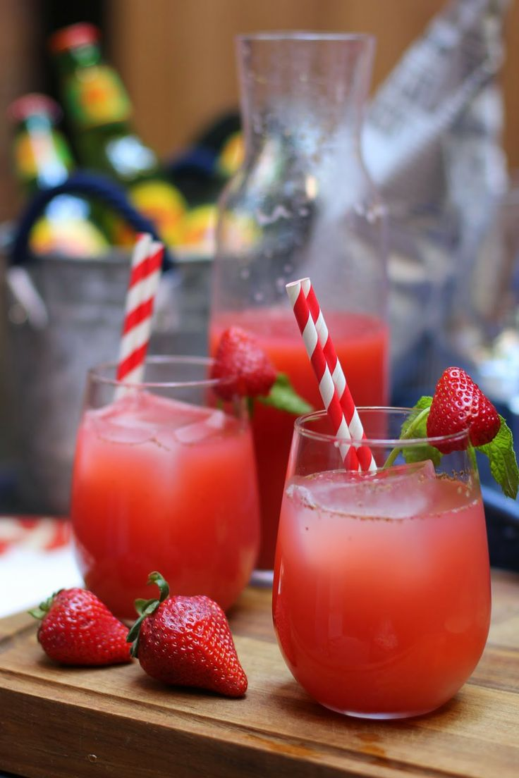 Outdoor Entertaining with Strawberry Green Iced Tea via A LOYAL LOVE ...