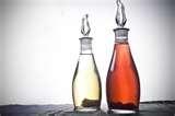 006 - Tips - Aceite siempre limpio, cuando se fríe pescado el aceite se vuelve muy oscuro. La solución para evitarlo es echar en el aceite unas gotas de vinagre y unas ramitas de perejil. Se tapa la freidora o la sartén y se pone a fuego fuerte durante cinco minutos.