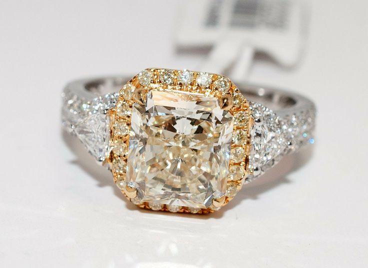 3.64ctw, 3.12ct VS2 CNTR Radiant Diamond 18KT Gold Ring