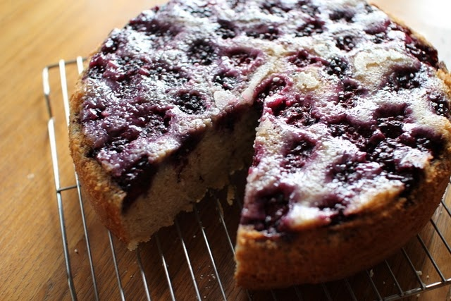 Blackberry buttermilk cake | So Sweet! | Pinterest