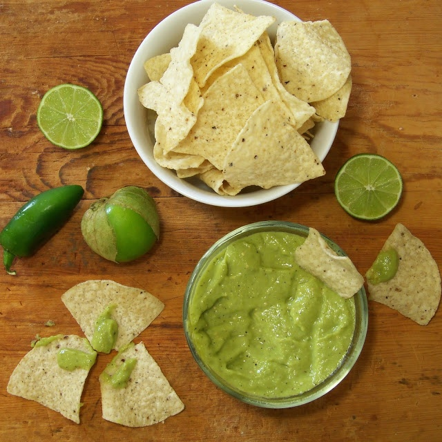 Roasted Tomatillo Avocado Salsa | Get cookin' - Recipes to Try | Pint ...