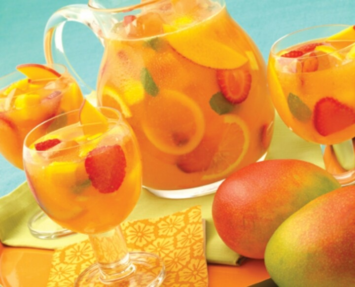 Mango sangria | Food and Drink | Pinterest