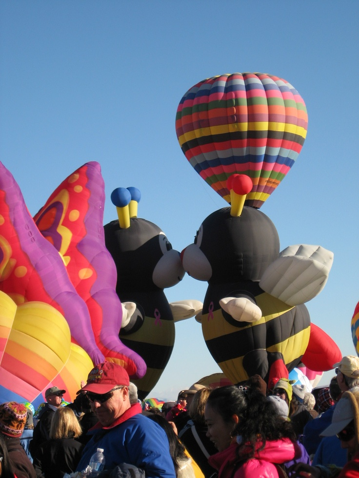 Bees Kissing | Balloon Fiesta Special Shapes | Pinterest