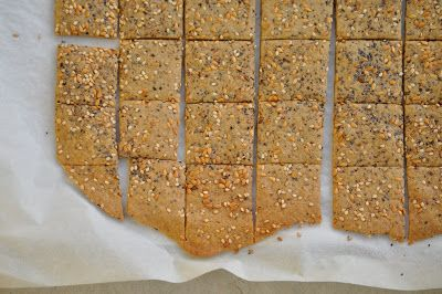 Gluten-Free Quinoa Seed Crackers (Vegan) | Healthy Baking | Pinterest