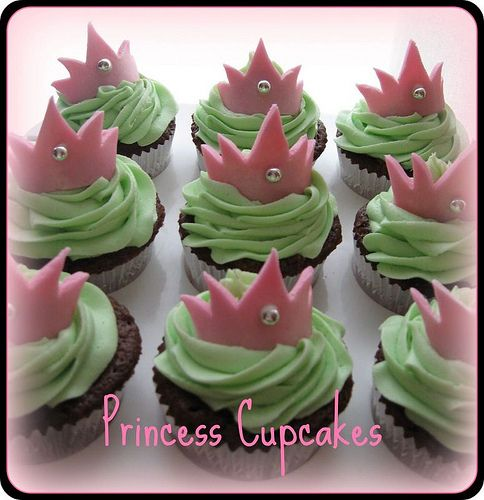 Cupcake Decorating Ideas For A Girl : princess cupcakes Cake & Cupcakes for Kids Pinterest