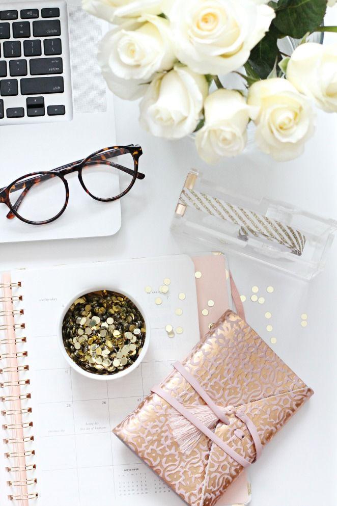 Girly desk dream space pinterest - Girly office desk accessories ...