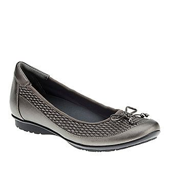 FootSmart Stretchables Women's Kathleen Flats :: Casual Shoes :: Shop
