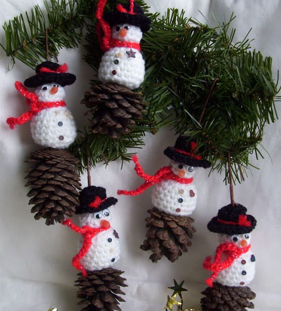 Christmas Crafts From Pine Cones Christmas Pinterest