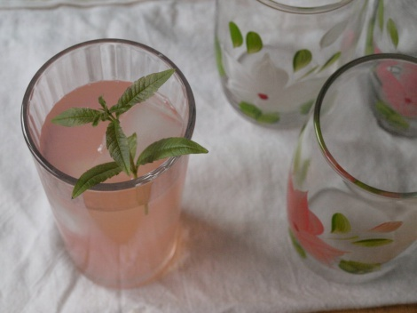 Rhubarb Iced Tea...gotta try it! | drinks | Pinterest