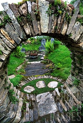 Mary reynolds the faerie sanctuary landscaping ideas for Celtic garden designs