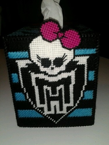 Monster High tissue cover. Looks cool to make either plastic canvas ...