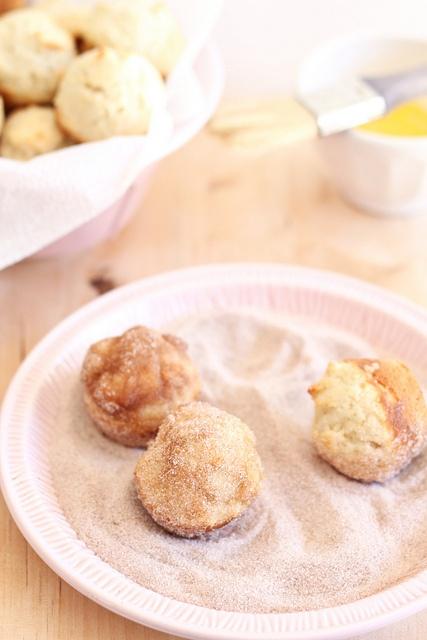 sweetcakes bakeshop: Cinnamon Sugar Doughnut Muffins