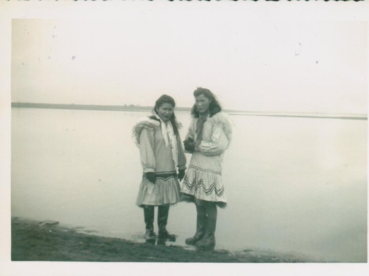 Inupiat girls at barrow alaska 1949 inutpiat pinterest