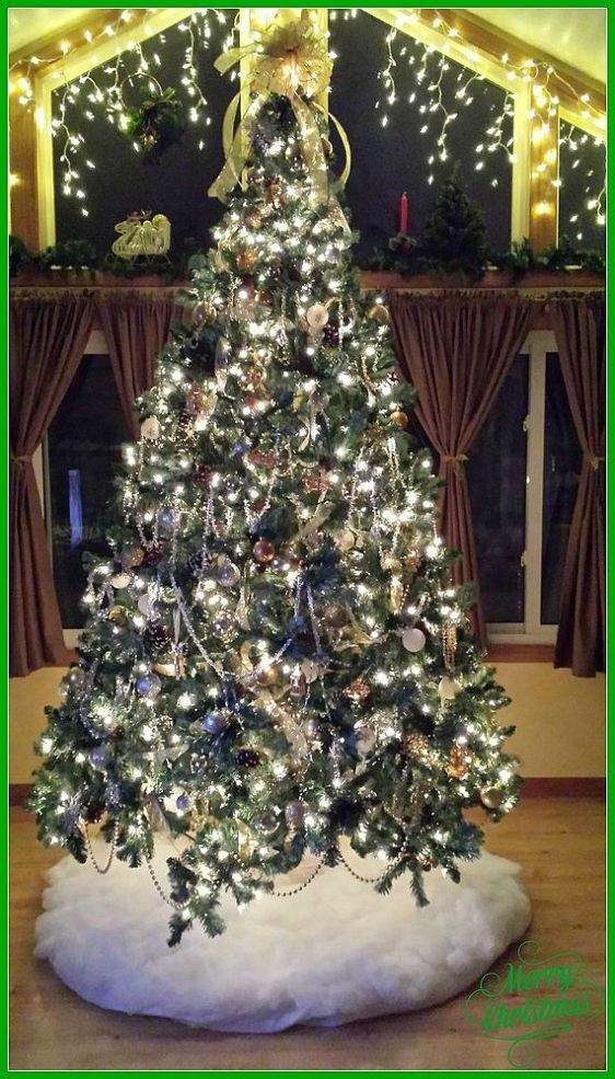 Silver And Gold Themed Christmas Tree