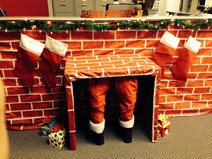 Office desk decorating | Holiday-Christmas | Pinterest
