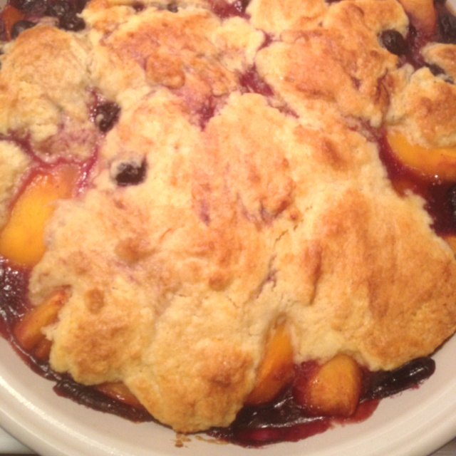 Peach blueberry cobbler | nom nom nom noms | Pinterest