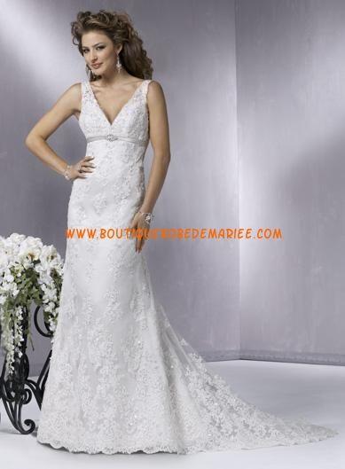 Robe de mariée dentelle col V plongeant  Robe de mariée dentelle ...
