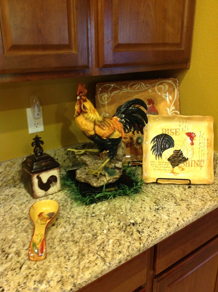 Chicken Themed Kitchen rooster. rooster kitchen decor. country kitchen rooster theme