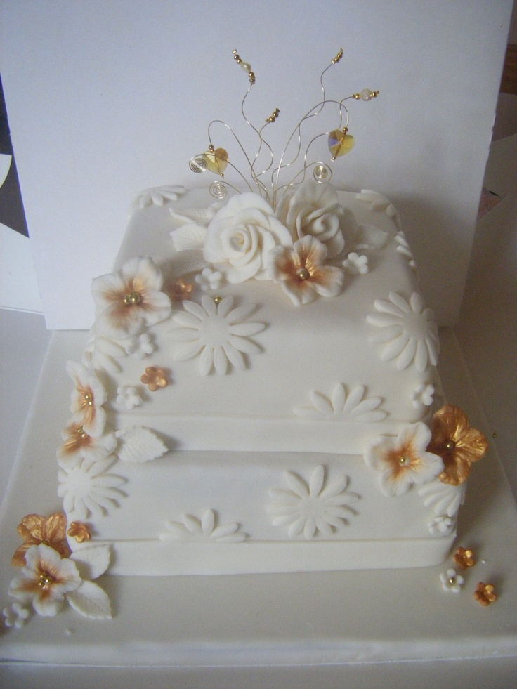 Cake Decorating For Golden Wedding Anniversary : Golden wedding anniversary cake.. 50th Anniversary ideas ...