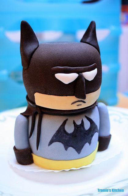 Lego Batman birthday mini cake by Tramie's Kitchen, via Flickr