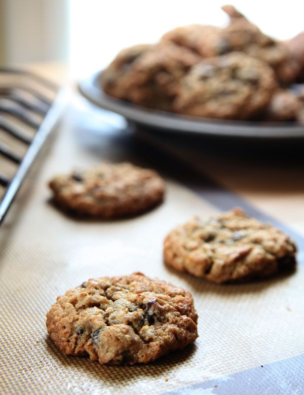 The Best Oatmeal Raisin Cookies Ever | Cookies, Bars and Brownies | P ...