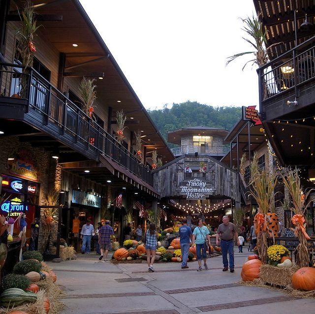 Gatlinburg T N There Are Many Restaurants Shops And