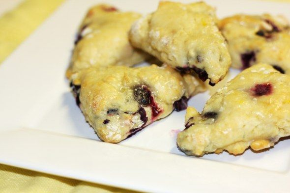 Blueberry Scones with Lemon Glaze | Recipe or Not http://recipeornot ...