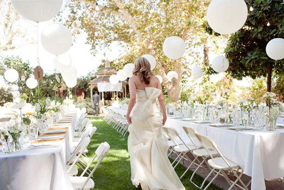 Ideas para decorar las mesas de la boda con globos