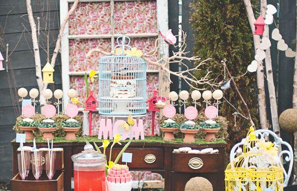 Estilo Vintage Decoracion De Fiestas ~ mesa para una fiesta de primavera, una fiesta vintage, una fiesta de
