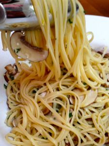 Linguine with Lemon, Garlic, Thyme and Mushrooms is an amazing no cook ...