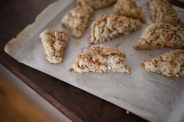 Apricot scones with yogurt!! Sounds so good and they look easy to bake ...