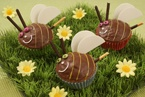"Easter Egg Cupcakes with ""Yolk"" Centers 