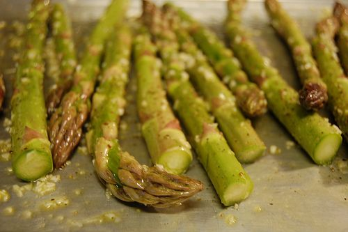 Oven Roasted Asparagus with Garlic | tasty treats | Pinterest