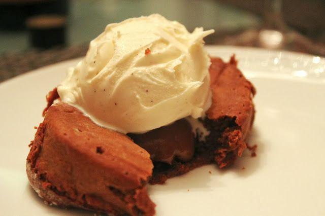Delicious Dishings: Molten Chocolate Espresso Dulce De Leche Cakes