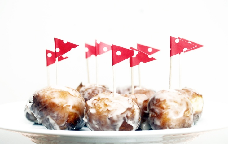 Maple syrup glazed mini doughnuts http://cupandcarry.com/recipes/maple ...